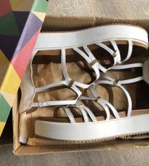 Inuovo sandali usnjeni