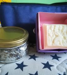 Naravna kozmetika + toaletna torbica (komplet)