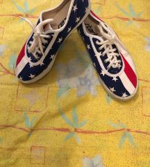 Startaske z ameriško zastavo