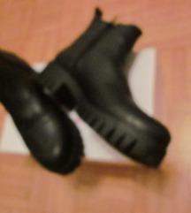 gležnarji usnjeni črni  št.39
