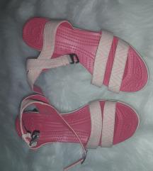 Sandali s polno peto Crocs