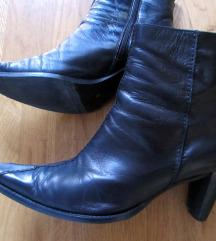 Gležnarji / nizki škornji, št. 39