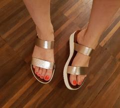Usnjeni sandali / natikači