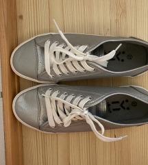 Nizki srebrni čevlji