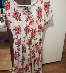 Bela oblekca z rožicami