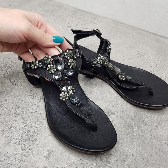 NOVI sandali - Bueno
