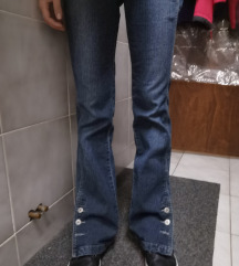 Jeans hlače na trapez/zvonc