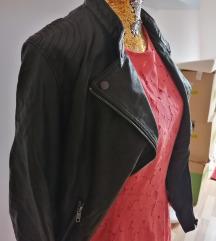 Usnjena jakna in obleka