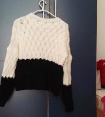 Črno bel zimski pulover