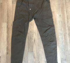 Baggy 38/40 in kargo hlače