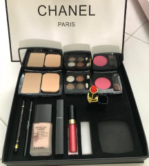 KUPIM CHANEL SET