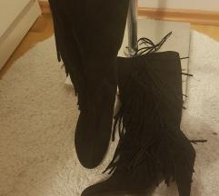 semiš škornji z resicami 36
