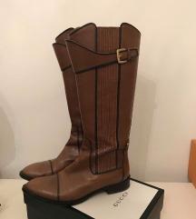REZ. Hugo Boss usnjeni škornji- mpc 570 evrov