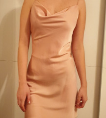Roza backless obleka
