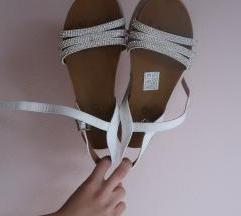 Poletni sandali