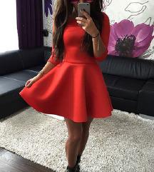 Čudovita rdeča oblekca M