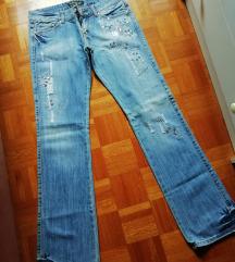 Zanimiv yeans