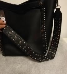 Nova večja črna torba