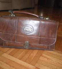Usnjena torbica,