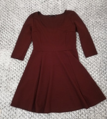 Bordo rdeča obleka