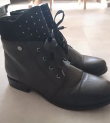 Polvisoki škornji