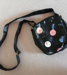 Manjša torbica na naramnico (nova)