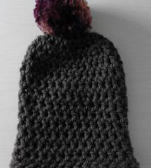 Temno rjava kapa s cofom - ročno delo