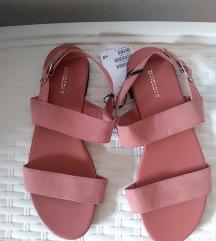 Novi sandali hm / 38