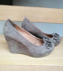 Svetlo rjavi/temno krem čevlji s polno peto