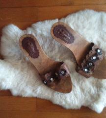Nina Romagnoli rjavi leseni poletni natikači