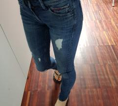 Tommy Hilfiger jeans hlače (rez. Shari1 do 15.3.)