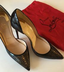 Čevlji, salonarji Christian Louboutin
