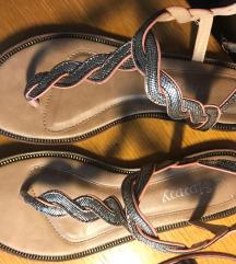 Sandali. !x nošeni.