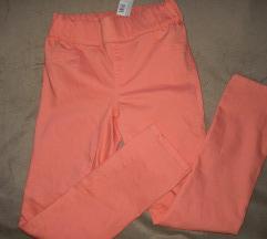 Nove nežno roza hlače