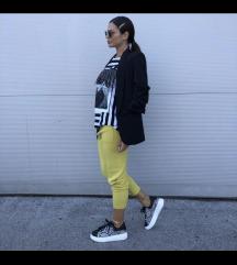 Modne hlače-nove