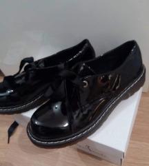 Čevlji 39
