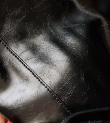 Sisley torbica, nova