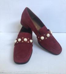 Rdeče mokasinke čevlji
