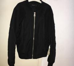 Crna bomber jaknica