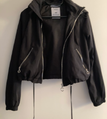 Kratka jakna Bershka