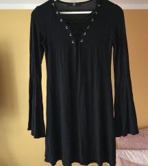 črna gotiška obleka