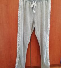 sive športne hlače z belo čipko