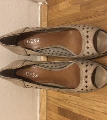 Čevlji GUESS z visoko peto