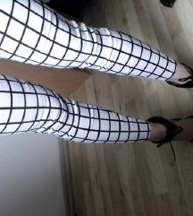 Nove elegantne kariraste hlače , pajkice PUSH UP