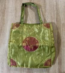 Posebna manjša torbica s tilom