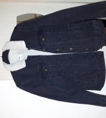 Črna jeans podložena jakna