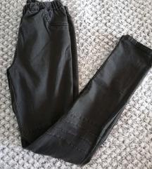 Črne hlače z elastiko
