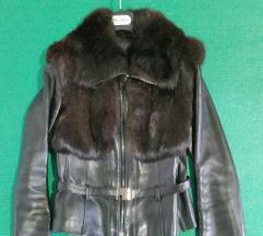 Črna usnjena jakna s pravim krznom