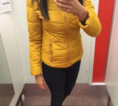 Modna rumena jakna S. Oliver