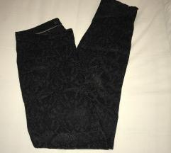 Zara elegantne črne hlače s potiskom